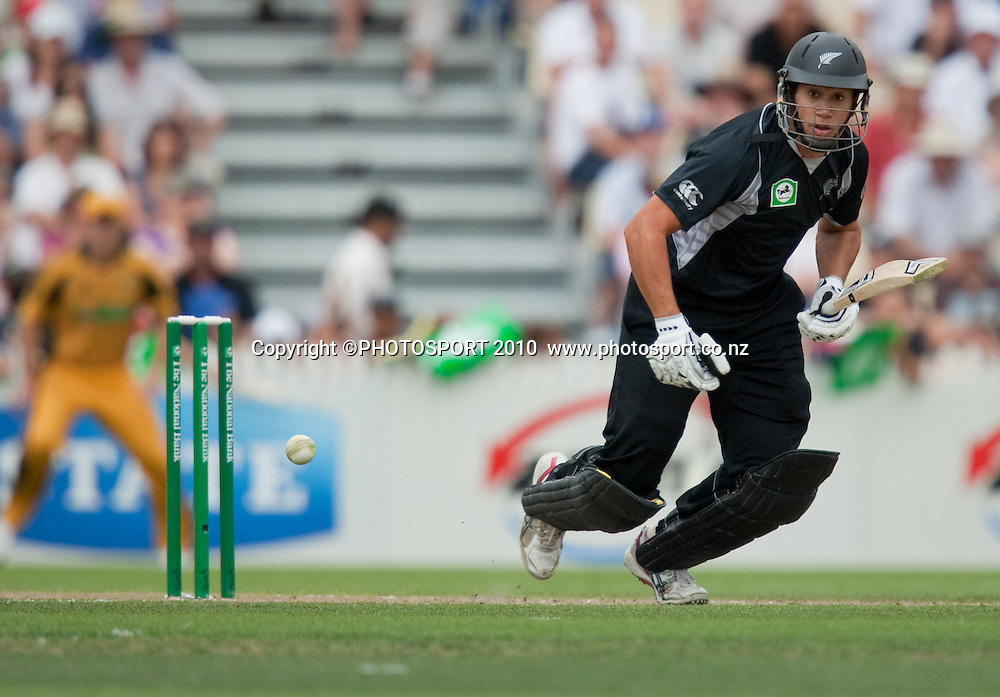 Ross Taylor bats during the third one day Chappell Hadlee cricket series match between New Zealand Black Caps and Australia at Seddon Park, Hamilton, New Zealand. Tuesday 9 March 2010. Photo: Stephen Barker/PHOTOSPORT
