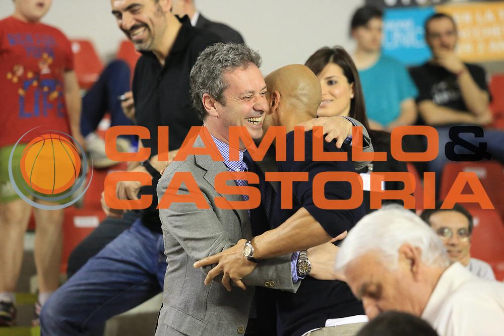 DESCRIZIONE : Roma Lega A 2012-2013 Acea Roma Trenkwalder Reggio Emilia playoff quarti di finale gara 1<br /> GIOCATORE : Carlton Myers <br /> CATEGORIA : ritratto  pre game<br /> SQUADRA : <br /> EVENTO : Campionato Lega A 2012-2013 playoff quarti di finale gara 1<br /> GARA : Acea Roma Trenkwalder Reggio Emilia<br /> DATA : 09/05/2013<br /> SPORT : Pallacanestro <br /> AUTORE : Agenzia Ciamillo-Castoria/M.Simoni<br /> Galleria : Lega Basket A 2012-2013  <br /> Fotonotizia : Roma Lega A 2012-2013 Acea Roma Trenkwalder Reggio Emilia playoff quarti di finale gara 1<br /> Predefinita :