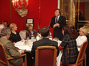 David Mellor speaking, Old Vic Lesley Garrett Literary Lunch. Savoy. 9 March 2001. © Copyright Photograph by Dafydd Jones 66 Stockwell Park Rd. London SW9 0DA Tel 020 7733 0108 www.dafjones.com