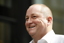© Licensed to London News Pictures. 10/07/2017. London, UK. Newcastle United FC owner Mike Ashley arrives at the High Court. Mr Ashley is in dispute with financial expert Jeff Blue over payments promised in relation to the share price of Sports Direct. Photo credit: Peter Macdiarmid/LNP