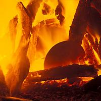 Piezas de arcilla cocinandose al fuego, Peninsula de Araya, Edo, Sucre, Venezuela.