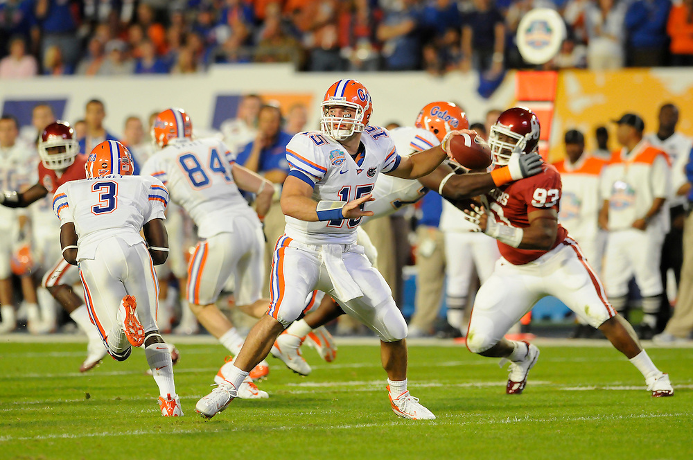 January 8, 2009: Tim Tebow of the Florida Gators in action during the NCAA football game between the Florida Gators and the Oklahoma Sooners in the 2009 BCS National Championship Game. The was tied 7-7 at the half.