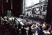 /||\||\ PLAY 2 :: RETRO TECH-NACULAR <br /> Musée d'art contemporain - Salle BWR<br /> samedi 30 mai. Les outils les plus percutants du hangar expérimental montréalais se mesurent les uns contre les autres lors d'un enchaînement de performances magnifiquement déstabilisantes qui célèbrent autant qu'elles rompent avec la tradition de la technologie obsolète. Mettant en scène les échos dramatiques de lumières, de l'artivisme numérique en tons de gris aussi bien que la transformation chimique d'un film de Nicolas Cage atroce, ce programme promet des surprises hybrides à chaque tournant; un véritable laboratoire de transformations pour lampes, cathodes et projecteurs de films.