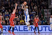 DESCRIZIONE : Sassari LegaBasket Serie A 2015-2016 Dinamo Banco di Sardegna Sassari - Giorgio Tesi Group Pistoia<br /> GIOCATORE : David Logan<br /> CATEGORIA : Tiro Tre Punti Three Point Controcampo<br /> SQUADRA : Dinamo Banco di Sardegna Sassari<br /> EVENTO : LegaBasket Serie A 2015-2016<br /> GARA : Dinamo Banco di Sardegna Sassari - Giorgio Tesi Group Pistoia<br /> DATA : 27/12/2015<br /> SPORT : Pallacanestro<br /> AUTORE : Agenzia Ciamillo-Castoria/L.Canu