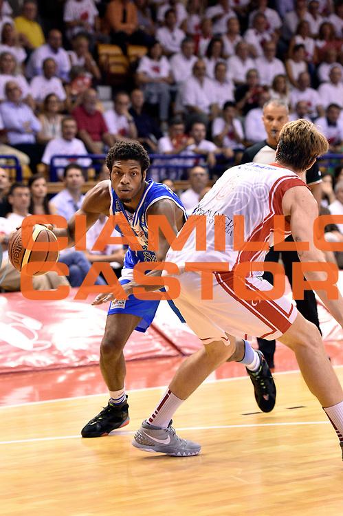 DESCRIZIONE : Reggio Emilia Lega A 2014-15 Grissin Bon Reggio Emilia - Banco di Sardegna Dinamo Sassari playoff Finale gara 5 <br /> GIOCATORE : Jeff Brooks<br /> CATEGORIA : palleggio penetrazione sequenza<br /> SQUADRA : Banco di Sardegna Sassari<br /> EVENTO : LegaBasket Serie A Beko 2014/2015<br /> GARA : Grissin Bon Reggio Emilia - Banco di Sardegna Dinamo Sassari playoff Finale gara 5<br /> DATA : 22/06/2015 <br /> SPORT : Pallacanestro <br /> AUTORE : Agenzia Ciamillo-Castoria/GiulioCiamillo<br /> Galleria : Lega Basket A 2014-2015 Fotonotizia : Reggio Emilia Lega A 2014-15 Grissin Bon Reggio Emilia - Banco di Sardegna Dinamo Sassari playoff Finale  gara 5<br /> Predefinita :