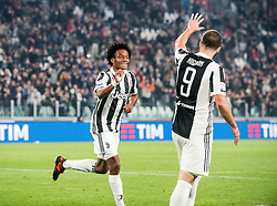 October 25, 2017 - Turin, Piemonte/Torino, Italy - Juan Cuadrado (Juventus FC) celebrates during theSerie A: Juventus FC vs S.P.A.L. 2013 at Allianz Stadium. Juventus wins 4-1. Turin, Italy 25th october 2017 (Credit Image: © Alberto Gandolfo/Pacific Press via ZUMA Wire)