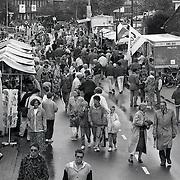 NLD/Huizen/19930911 - Huizerdag 1993 Huizen, overzicht braderie