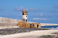 """24/04/2009 Brindisi Diga di Punta Riso in primo piano il """"Vecchio Faro"""" sullo sfondo la Diga"""