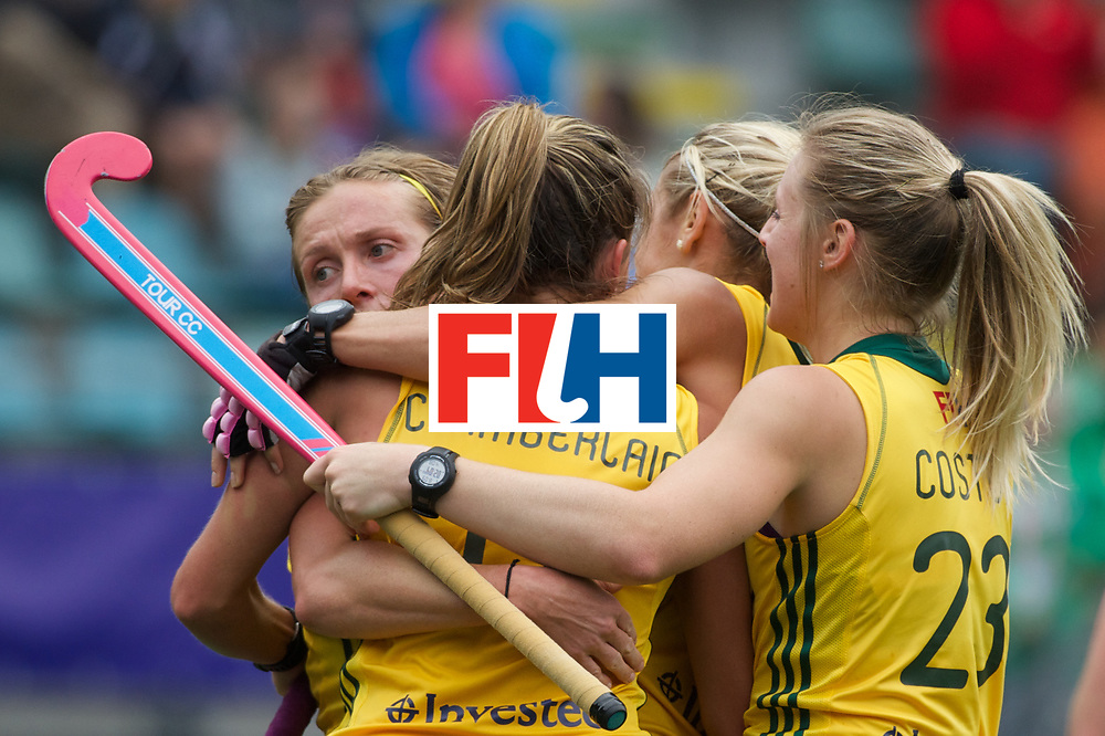 10 RSA vs GER (1-3) : RUSSELL Shelley congratulated by its teammates