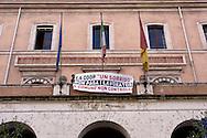 Roma 4 Novembre 2015<br /> Lavoratori della coop Un Sorriso, che gestiva il centro d accoglienza per migranti, di Tor Sapienza, hanno protestato presso l'Osservatorio sul Mercato e le Condizioni di Lavoro del Comune di Roma per il mancato pagamento di molte mensilità di stipendi.<br /> Rome November 4, 2015<br /> Workers of the coop A Smile, who ran the center of welcome for immigrants, to Tor Sapienza, have protested  at the Observatory on the market and working conditions  of the City of Rome for nonpayment of many salaries.