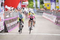 Lucinda Brand & Arlenis Sierra sprint it out for the minor placings on Stage 2 of the Giro Rosa - a 122.2 km road race, between Zoppola and Montereale Valcellina on July 1, 2017, in Pordenone, Italy. (Photo by Sean Robinson/Velofocus.com)