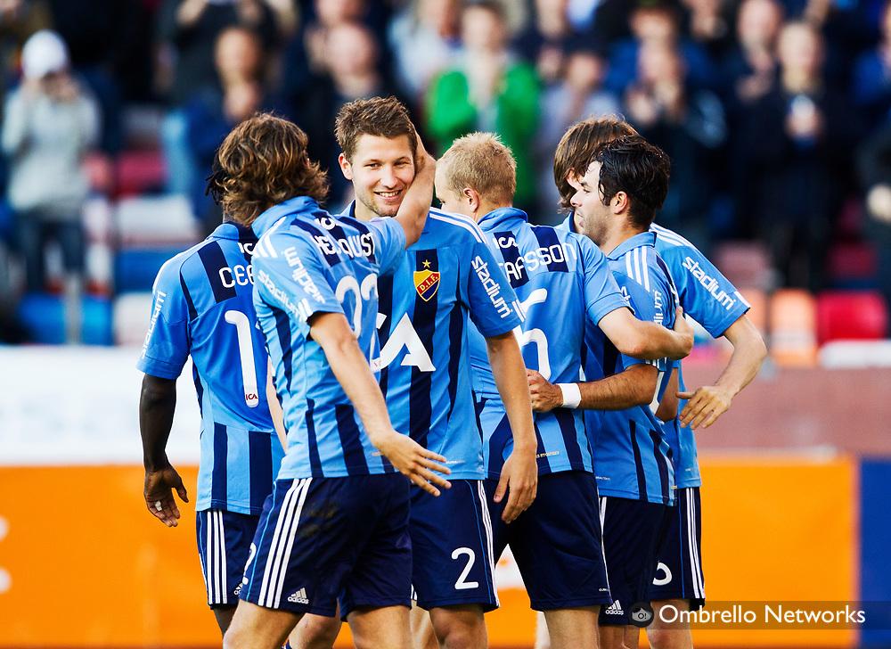 STOCKHOLM 2011-06-20<br /> ALLSVENSKAN FOTBOLL DJURG&Aring;RDEN VS SYRIANSKA FC.<br /> I bild: Jubel i DIF sedan Joona Toivio gjort 2-0 p&aring; straff.