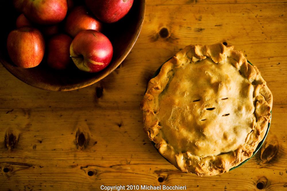 HOBOKEN, NJ - November 18:  Making apple pie on November 18, 2010 in HOBOKEN, NJ.  (Photo by Michael Bocchieri/Bocchieri Archive)