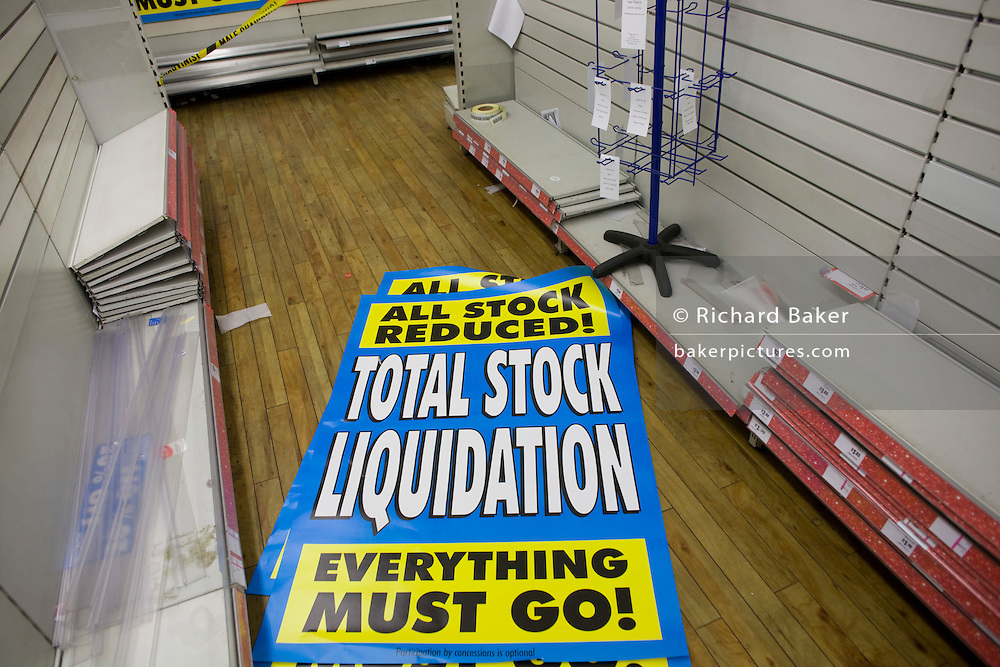 Sheets of posters telling the last customers of the closure and liquidation of the Woolworths Camberwell branch ..