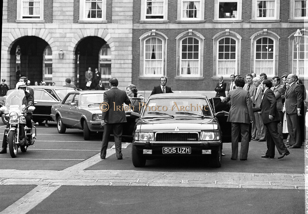EEC Leaders Meet At Dublin Castle.   (N4)..1979..29.11.1979..11.29.1979..29th November 1979..At Dublin Castle the leaders of the countries within the EEC held a summit conference to discuss issues which would affect the EEC over the forthcoming years..Image shows the British Prime Minister,Mrs Margaret Thatcher,and her entourage arriving to take part in the EEC conference.