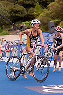 Emma Snowsill AUS.Womens ITU Race.2011 Dextro Energy Triathlon ITU World Championship Sydney.Sydney, New South Wales, Australia..Hosted By USM Events.Proudly Supported By Asics, Dextro, Suunto, Events New South Wales, Subaru, USM Events..10/04/2011.Photo Lucas Wroe