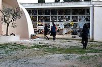 Panoramica delle lapidi del Cimitero di Alessano 28/03/2010