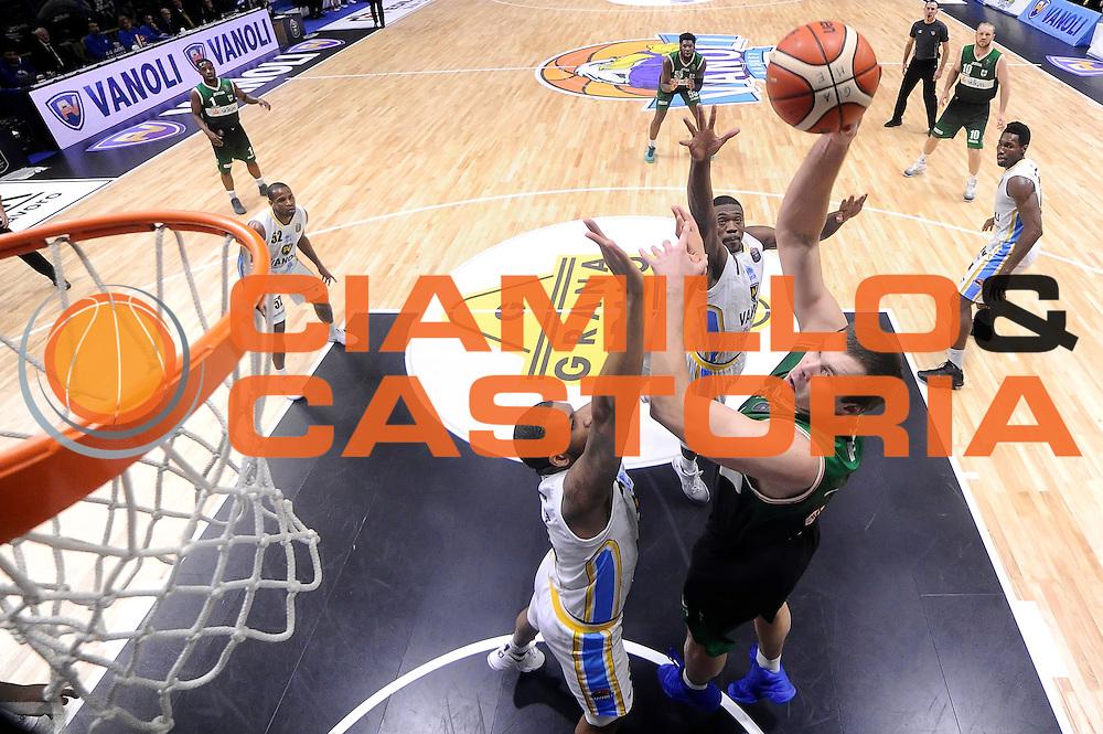 Kyrylo Fesenko<br /> Vanoli Cremona - Sidigas Avellino<br /> Lega Basket Serie A 2016/2017<br /> Cremona, 18/12/2016<br /> Foto Ciamillo-Castoria