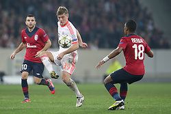 23.10.2012, Grand Stade Lille Metropole, Lille, OSC Lille vs FC Bayern Muenchen, im Bild Toni KROOS (FC Bayern Muenchen - 39) - Franck BERIA (OSC Lille - 18) // during UEFA Championsleague Match between Lille OSC and FC Bayern Munich at the Grand Stade Lille Metropole, Lille, France on 2012/10/23. EXPA Pictures © 2012, PhotoCredit: EXPA/ Eibner/ Gerry Schmit..***** ATTENTION - OUT OF GER *****