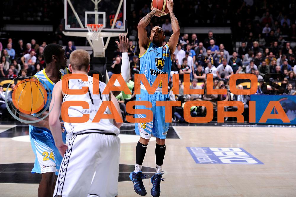 DESCRIZIONE : Bologna Lega serie A 2013/14 Granarolo Bologna Vanoli Cremona<br /> GIOCATORE : Jarrius Jackson<br /> CATEGORIA : tiro three points<br /> SQUADRA : Vanoli Cremona<br /> EVENTO : Campionato Lega Serie A 2013-2014<br /> GARA : Granarolo Bologna Vanoli Cremona<br /> DATA : 26/01//2014<br /> SPORT : Pallacanestro<br /> AUTORE : Agenzia Ciamillo-Castoria/M.Marchi<br /> Galleria : Lega Seria A 2013-2014<br /> Fotonotizia : Bologna Lega serie A 2013/14 Granarolo Bologna Vanoli Cremona<br /> Predefinita :