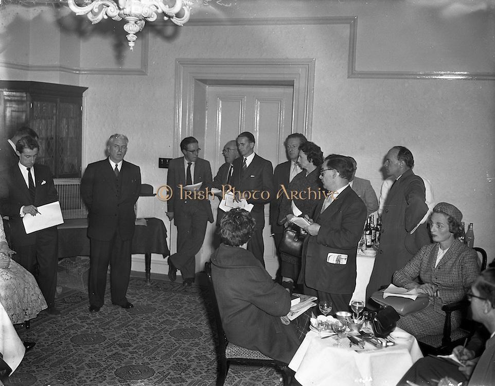 10/10/1958<br /> 10/10/1958<br /> 10 October 1958<br /> Press Conference by Chinchilla Ltd. at the Shelbourne Hotel, Dublin, for Domas Ltd