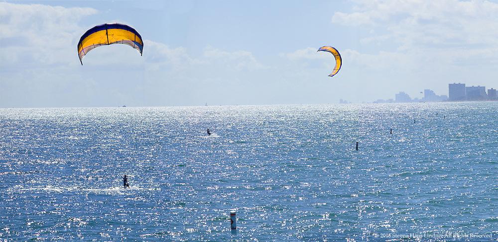 Parasailing Fort Lauderdale Harbor, Florida
