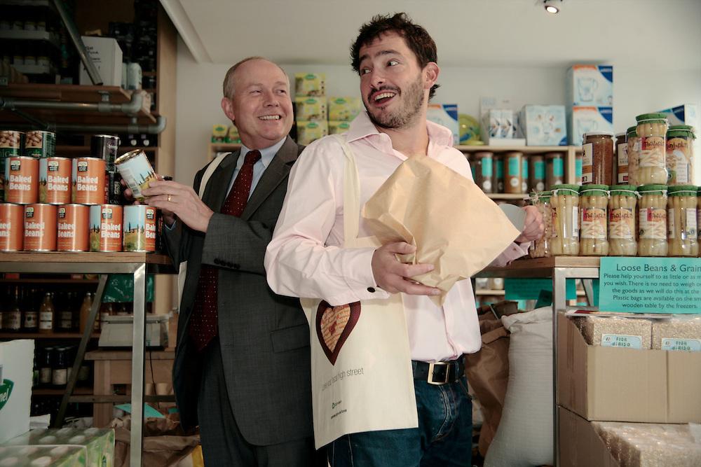 Giles Coren & Councillor Keith Moffat, Kentish Town 17/09/09