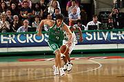 DESCRIZIONE : Treviso Lega A1 2006-07 Benetton Treviso Montepaschi Siena <br /> GIOCATORE : Mordente<br /> SQUADRA : Benetton Treviso<br /> EVENTO : Campionato Lega A1 2006-2007 <br /> GARA : Benetton Treviso Montepaschi Siena <br /> DATA : 22/04/2007 <br /> CATEGORIA : Contropiede Palleggio <br /> SPORT : Pallacanestro <br /> AUTORE : Agenzia Ciamillo-Castoria/M.Marchi