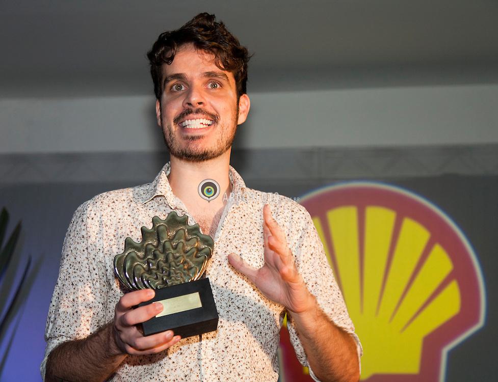 """Cerimonia de premiacao do 23º Premio Shell de Teatro de Sao Paulo. Leonardo Moreira premiado na categoria Autor, por """"Escuro"""""""
