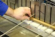 D&uuml;ren. 15.03.17 | BILD- ID 033 |<br /> GKD - Gebr. Kufferath AG. Metallfassade f&uuml;r die Neue Mannheimer Kunsthalle.<br /> Das Unternehmen in D&uuml;ren produziert Fassaden f&uuml;r die Architektur aus Metall. Ein gewebtes Metallgitter wird von Aussen an die Fassade montiert. <br /> Kunsthallendirektorin Dr. Ulrike Lorenz besucht das Unternehmen in D&uuml;ren und freut sich &uuml;ber die technische Umsetzung mit einer speziell goldenen Pigmentierung der Edelstahlstreben.<br /> Bild: Markus Prosswitz 15MAR17 / masterpress (Bild ist honorarpflichtig - No Model Release!)