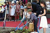 Koning Willem Alexander opent De Nieuwe Baarnsche School