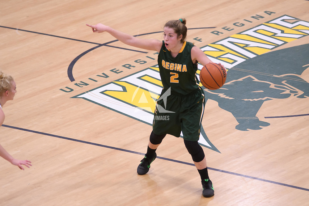 2nd year guard Michaela Kleisinger (2) of the Regina Cougars in action during the home game on November  5 at Centre for Kinesiology, Health and Sport. Credit: Arthur Ward/Arthur Images