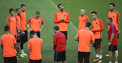 September 26, 2017 - Lisbon, Portugal - Barcelona's midfielder Sergi Roberto, Barcelona's defender Aleix Vidal, Barcelona's defender Lucas Digne, Barcelona's midfielder André Gomes, Barcelona's midfielder Andrés Iniesta, Barcelona's midfielder Denis Suárez, Barcelona's midfielder Sergio Busquets and Barcelona's head coach Ernesto Valverde during the training session at Alvalade stadium in Lisbon,  on September 26, 2017, on the eve of the UEFA Champions League Group D football match Sporting CP vs FC Barcelona. (Photo by Filipe Amorim/NurPhoto) (Credit Image: © Filipe Amorim/NurPhoto via ZUMA Press)