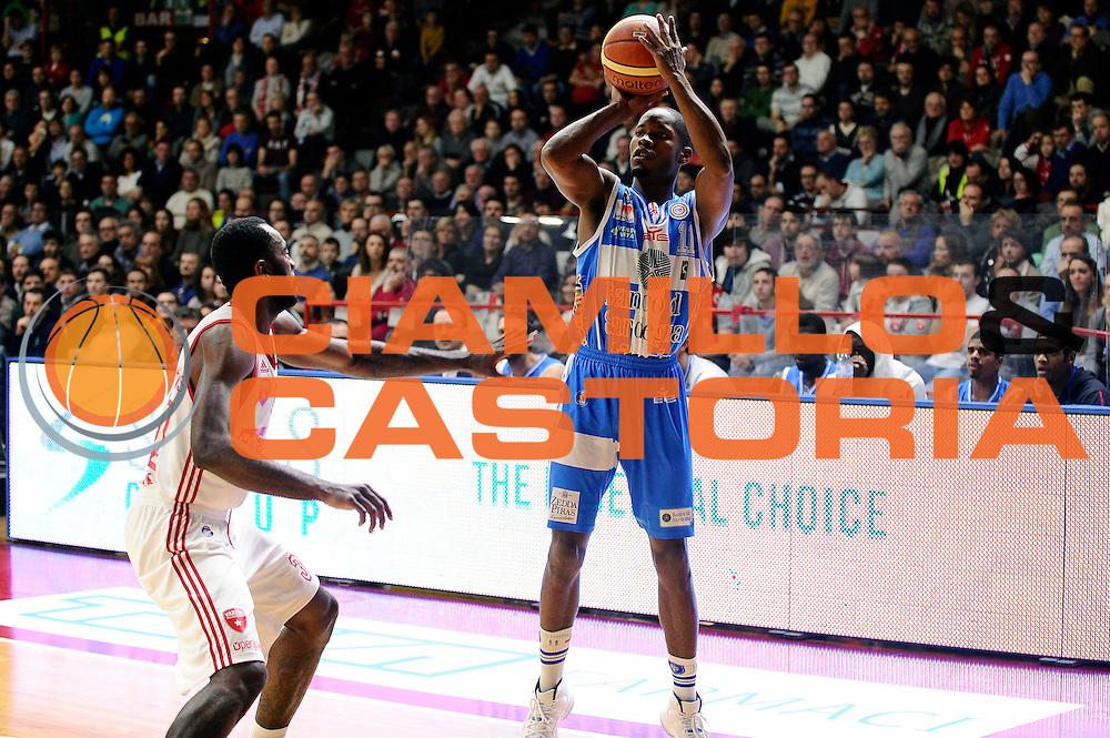 DESCRIZIONE : Varese Lega A 2014-2015 Openjob Metis Varese Banco di Sardegna Sassari<br /> GIOCATORE : Jerome Dyson<br /> CATEGORIA : tiro three points<br /> SQUADRA : Banco di Sardegna Sassari<br /> EVENTO : Campionato Lega A 2014-2015<br /> GARA : Openjob Metis Varese Banco di Sardegna Sassari<br /> DATA : 26/12/2014<br /> SPORT : Pallacanestro<br /> AUTORE : Agenzia Ciamillo-Castoria/Max.Ceretti<br /> GALLERIA : Lega Basket A 2014-2015<br /> FOTONOTIZIA : Varese Lega A 2014-2015 Openjob Metis Varese Banco di Sardegna Sassari<br /> PREDEFINITA :