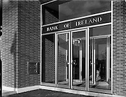 05/12/1961<br /> 12/05/1961<br /> 05 December 1961<br /> Exterior of Bank of Ireland, Raheny, Dublin.