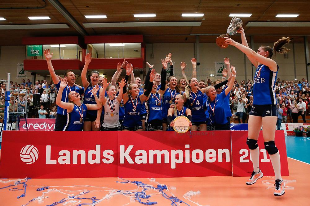 20180509 NED: Eredivisie Coolen Alterno - Sliedrecht Sport, Apeldoorn<br />Sliedrecht Sport Landskampioen Eredivisie Vrouwen Seizoen 2017 - 2018<br />©2018-FotoHoogendoorn.nl