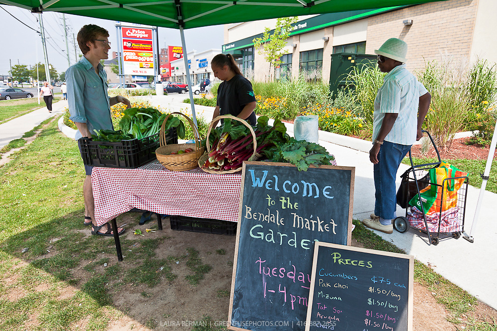 The farm stand of the Bendale market garden, a project of FoodShare Toronto.
