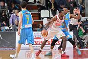 DESCRIZIONE : Milano Lega A 2014-15 Openjobmetis Varese- Vagoli Basket Cremona<br /> GIOCATORE : Eyenga Christian<br /> CATEGORIA : Controcampo penetrazione<br /> SQUADRA : Openjobmetis Varese<br /> EVENTO : Campionato Lega A 2014-2015 GARA :Openjobmetis Varese - Vagoli Basket Cremona<br /> DATA : 22/03/2015 <br /> SPORT : Pallacanestro <br /> AUTORE : Agenzia Ciamillo-Castoria/IvanMancini<br /> Galleria : Lega Basket A 2014-2015 Fotonotizia : Varese Lega A 2014-15 Openjobmetis Varese - Vagoli Basket Cremona