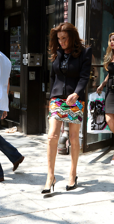 June 30, 2015 - New York City, NY, United States - <br /> <br /> Caitlyn Jenner spotted shopping on the streets of Mantattan <br /> ©Exclusivepix Media