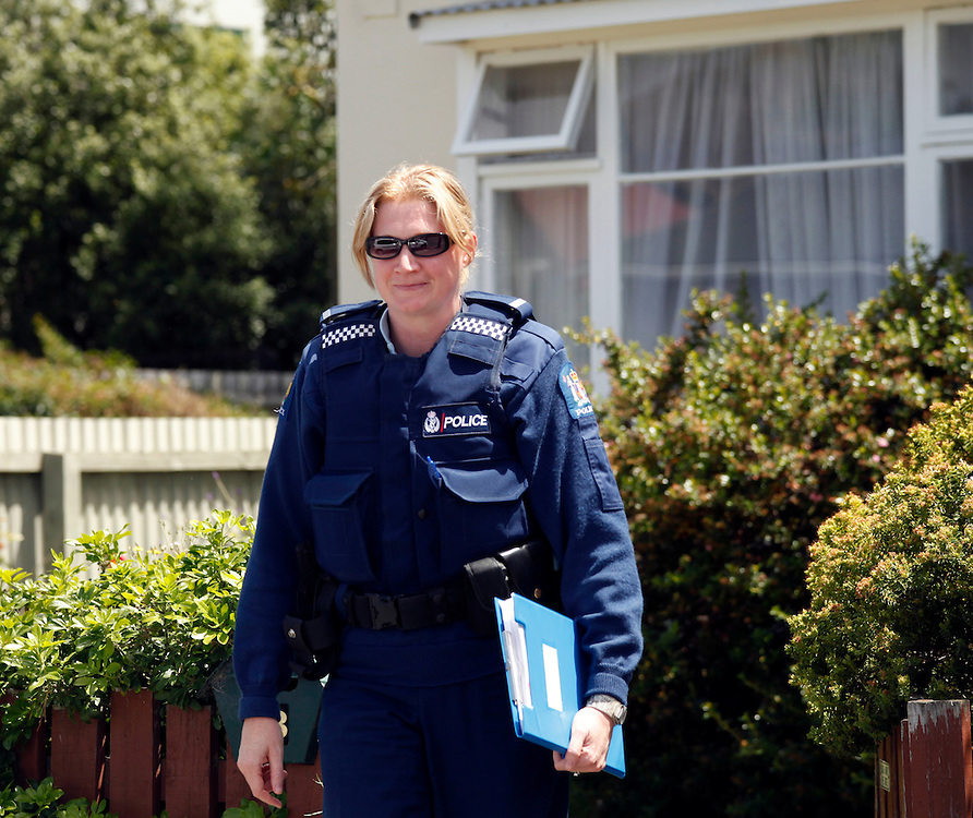 Police interviewing neighbours near where a 65 year old man was found dead in Waltham, a 25 year old has been arrested and charged with murder, Christchurch, New Zealand, Monday, January 09, 2012.  Credit:SNPA / Pam Johnson