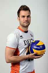 13-05-2014 NED: Selectie Nederlands volleybal team mannen, Arnhem<br /> Op Papendal werd het Nederlands team volleybal seizoen 2014-2015 gepresenteerd / Dirk Sparidans