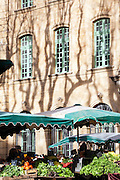 The Aix en Provence markets animate the town with colours and noises. In the shadows of big umbrellas the market gardeners display their fruits and vegetables offering a shimmering palette from which emanate the smell of fresh mint, basil, rosemary and spices.