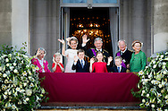 BRUSSELS - (FROM LEFT) Queen Fabiola, Princess Eleonore, Queen Mathilde, Prince Gabriel, King Philip, Princess Elisabeth, Prince Emmanuel, King Albert and Queen Paola salute the people from the balcony of the Royal Palace. COPYRIGHT ROBIN UTRECHT