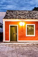 Casa colonial no centro histórico do Ribeirão da Ilha. Florianópolis, Santa Catarina, Brasil. / Colonial architecture house in the historic center of Ribeirao da Ilha district. Florianopolis, Santa Catarina, Brazil.
