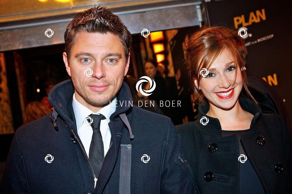AMSTERDAM - In het Tuschinski Theater is de Nederlandse speelfilm Plan C in premiere gegaan.  Met op de foto Chava Voor in t Holt en haar partner Emile. FOTO LEVIN DEN BOER - PERSFOTO.NU