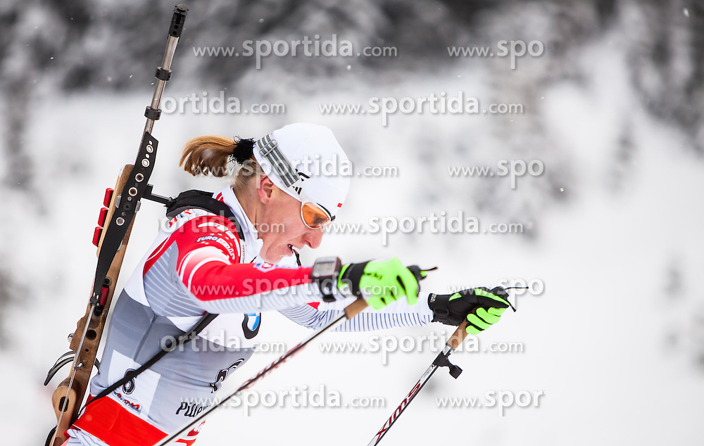 08.12.2012, Biathlonarena, Hochfilzen, AUT, E.ON IBU Weltcup, Sprint, Verfolgung, im Bild Magdalena Gwizdon (POL) // Magdalena Gwizdon of Poland during Womens Pursuit of E.ON IBU Biathlon World Cup at the Biathlonstadium in Hochfilzen, Austria on 2012/12/08. EXPA Pictures © 2012, .PhotoCredit: EXPA/ Juergen Feichter