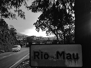 Entrance to the village of Rio Mau