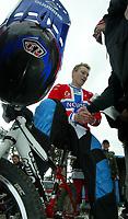 Sykling, BMX Racing, EM - runde 7 og 8, <br />Sandnes 19-20 juni 2004, <br />Leiv Ove Nordmark (Norway) vant EMs 7 runde på hjemmebane, køen av gratulanter lot ikke vente på seg,<br />Foto: Sigbjørn Andreas Hofsmo, Digitalsport
