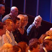 NLD/Hilversum/20070316 - 1e Live uitzending SBS So You Wannabe a Popstar, Eric Hulzebosch, famile en vrienden op de tribune
