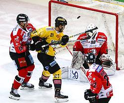 05.01.2020, Albert Schultz Halle, Wien, AUT, EBEL, Vienna Capitals vs HC Orli Znojmo, 36. Runde, im Bild v.l. Alex Sova (HC Orli Znojmo), Riley Holzapfel (spusu Vienna Capitals), Dominik Groh (HC Orli Znojmo) und Aaron Berisha (HC Orli Znojmo) // during the Erste Bank Eishockey League 36th round match between Vienna Capitals and HC Orli Znojmo at the Albert Schultz Halle in Wien, Austria on 2020/01/05. EXPA Pictures © 2020, PhotoCredit: EXPA/ Thomas Haumer
